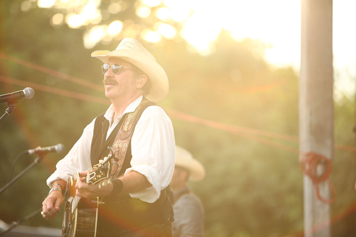 arrington-vineyards-harvest-party-kix-brooks.jpg